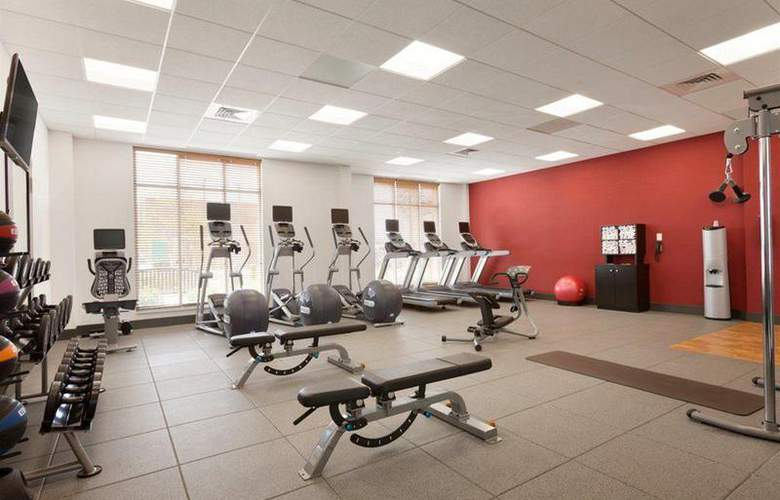 Hilton Garden Inn Boston Logan Airport - Sport - 23