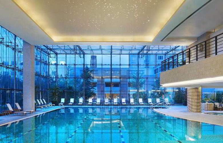 The St. Regis - Pool - 38