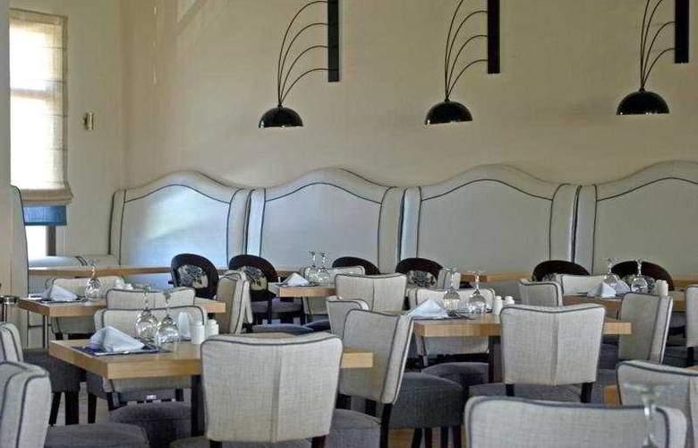 Mediterranean Village - Restaurant - 11