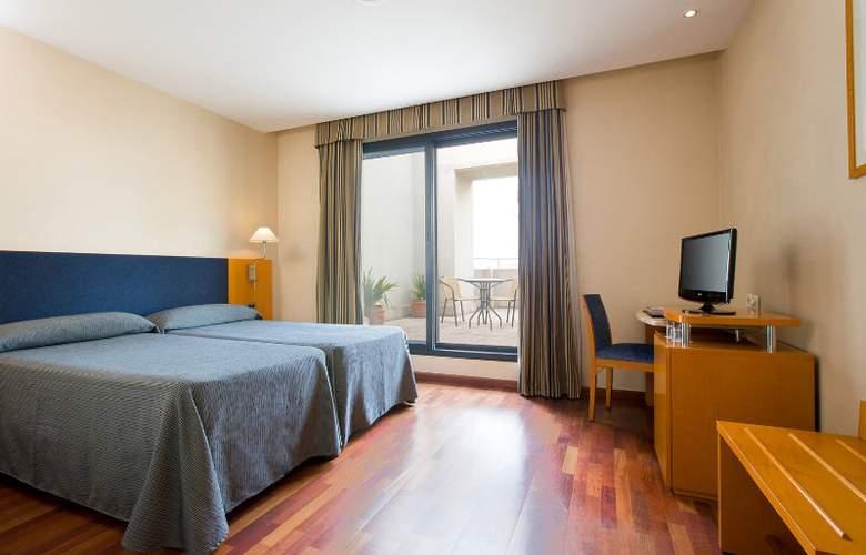 Villacarlos - Room - 2