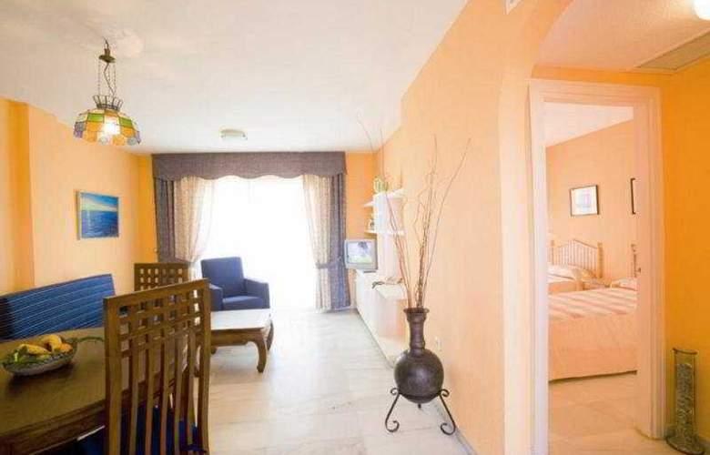 Apartamentos Fenix Beach - Room - 6