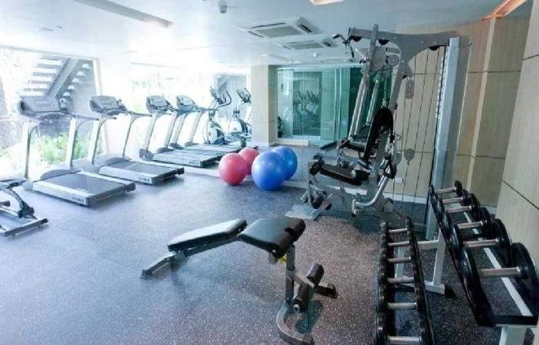 Ramada Hotel & Suites - Sport - 7