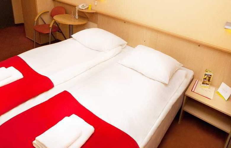 Quality System - Hotel Krakow - Room - 11