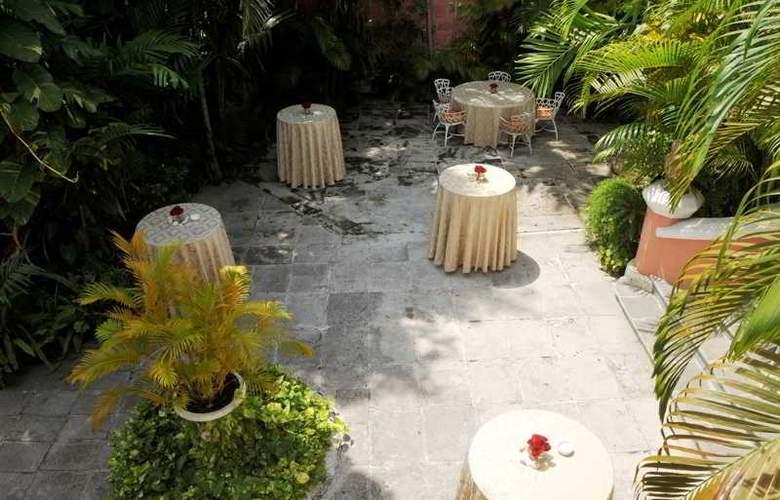 Graycliff Hotel & Restaurant - Hotel - 3