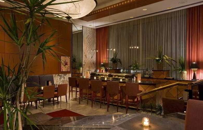 Sheraton Maria Isabel Hotel & Towers - Bar - 17