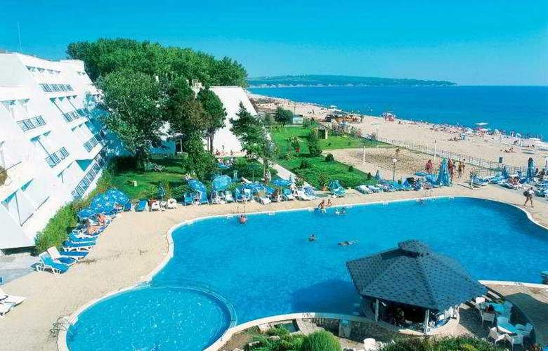 Luca Helios Beach - Hotel - 0