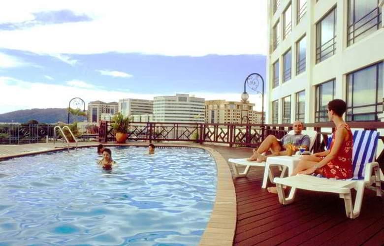 Sabah Oriental - Pool - 5