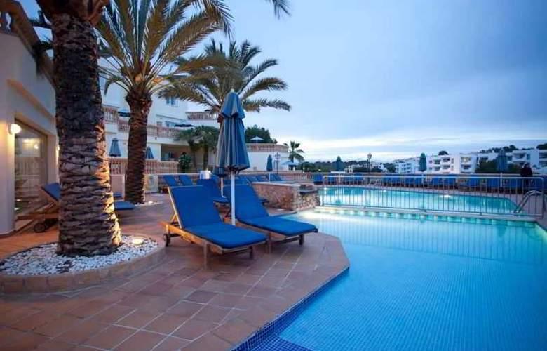 Azul Playa - Pool - 11