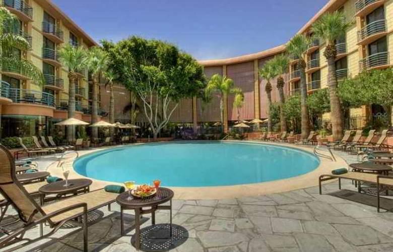 Embassy Suites Phoenix Biltmore - Hotel - 12