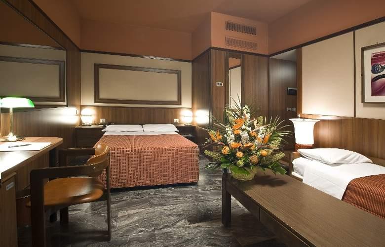 Grand Hotel Elite - Room - 4
