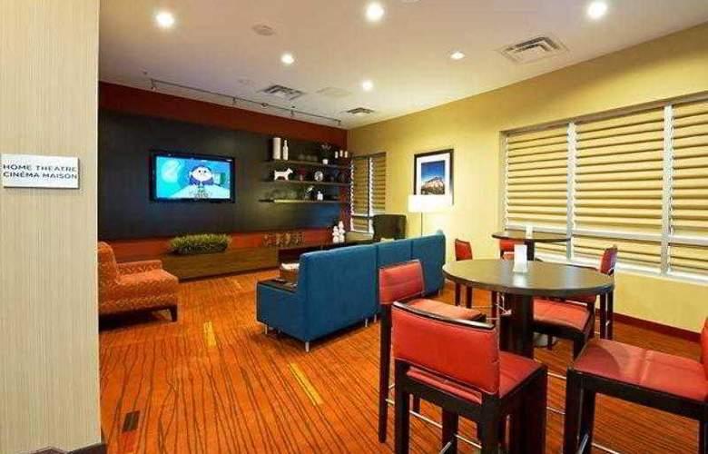 Courtyard Ottawa East - Hotel - 6