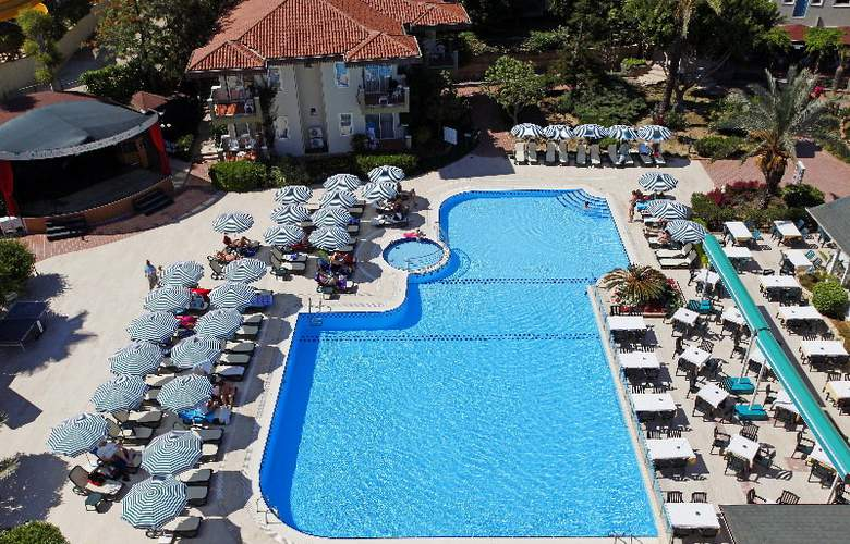 Gardenia Beach - Pool - 4