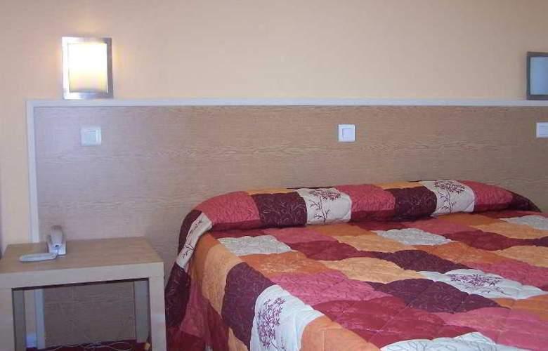 INTER-HOTEL De La Thalie - Room - 5