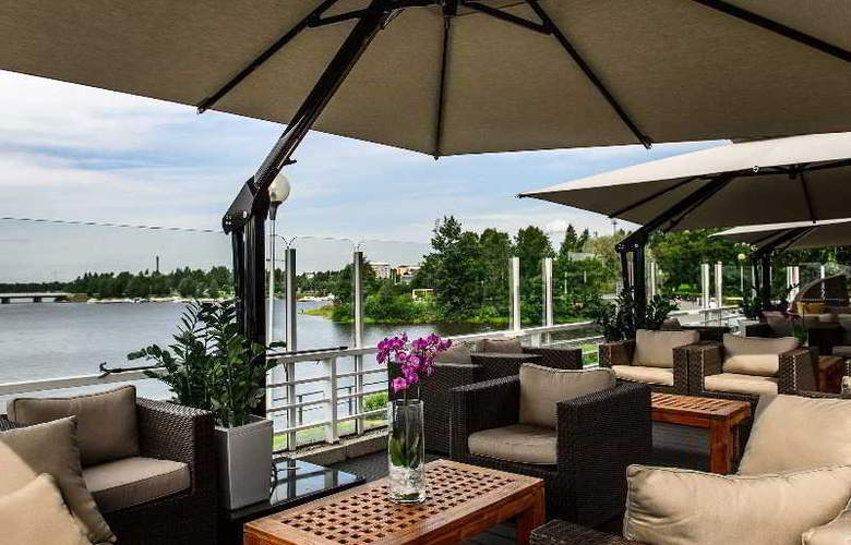 Radisson Blu Hotel - Terrace - 11
