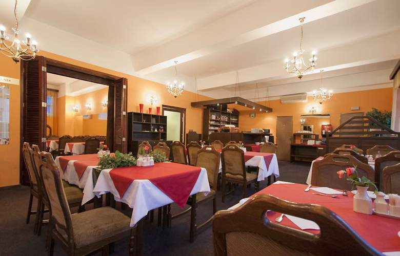 Astra - Restaurant - 3