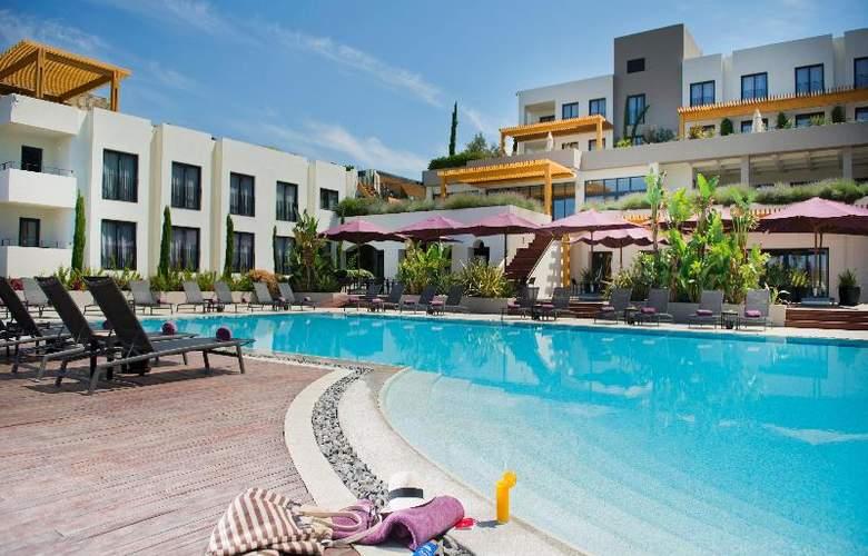 Ramada Resort Bodrum - Pool - 23
