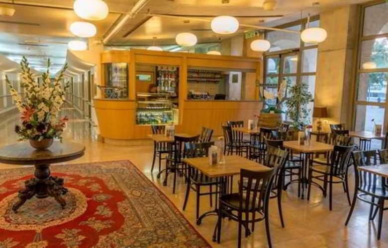 Ruth Daniel Residence - Restaurant - 10