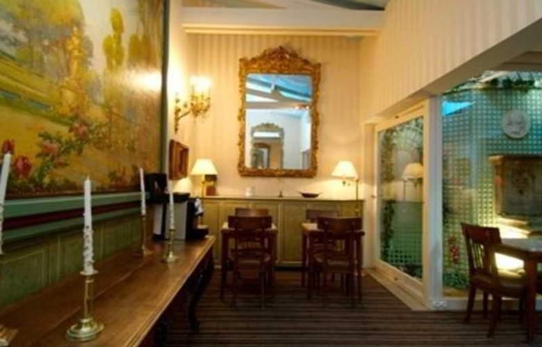 George Sand - Hotel - 0