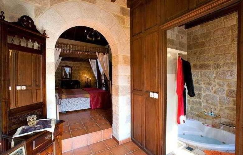 Saint Nikolis - Room - 6