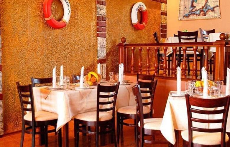 Amaris - Restaurant - 14