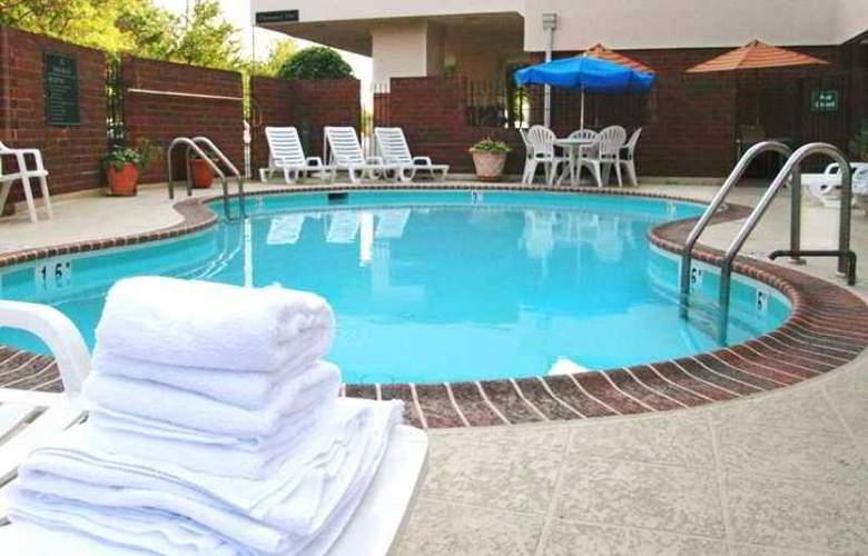 Hampton Inn Springfield - Hotel - 3