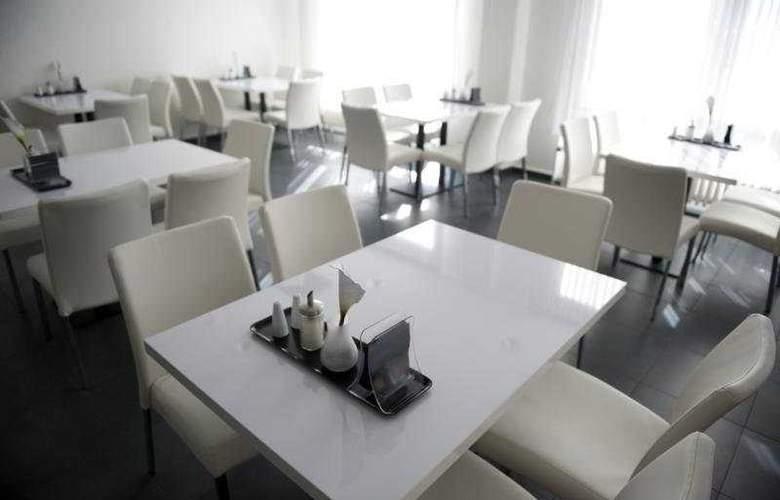 Days inn berlin west - Restaurant - 5