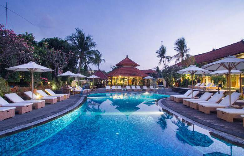 Sol House Kuta Bali - Pool - 16