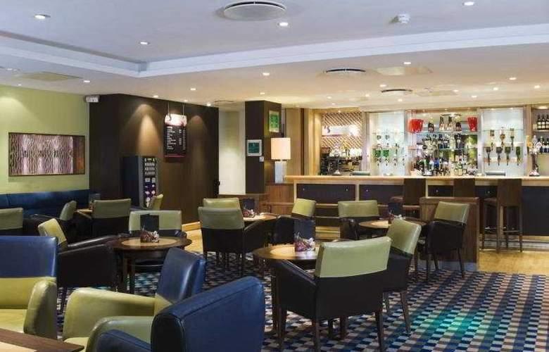 Holiday Inn Eastleigh - Bar - 4