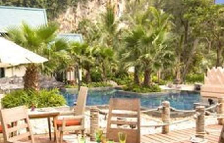 Centara Grand Beach Resort and Villas Krabi - Terrace - 12