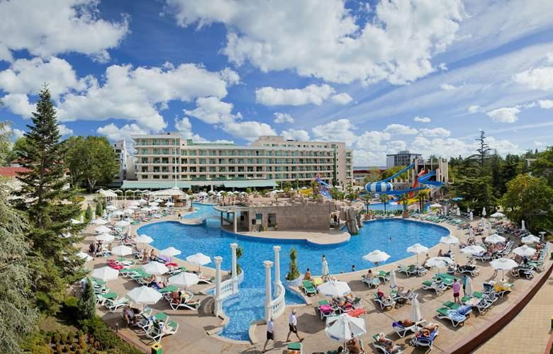Evrika Beach Club - Hotel - 0