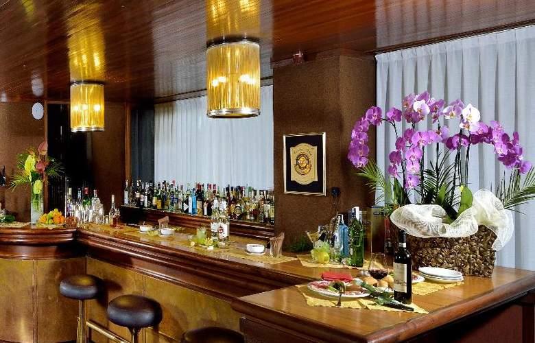 Grand Hotel Elite - Bar - 13