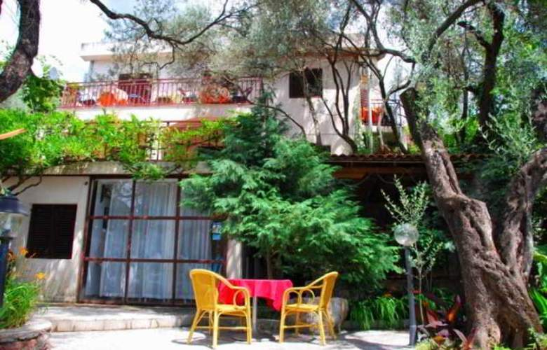 Elena Guest House - Hotel - 1