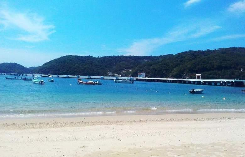 Marina Resort - Beach - 15