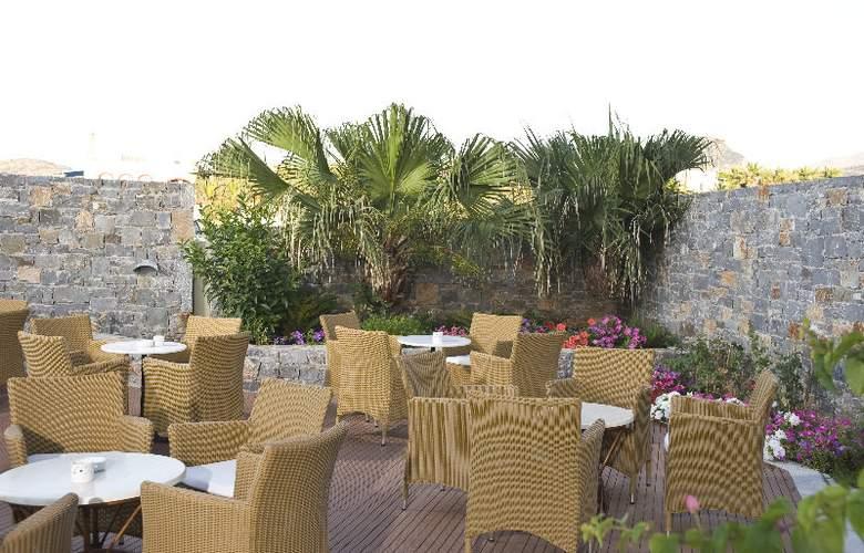 Maritimo Beach Hotel - Restaurant - 4