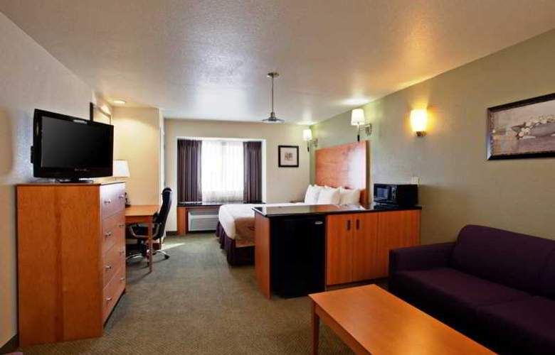 La Quinta Inn And Suites Tulare - Room - 3