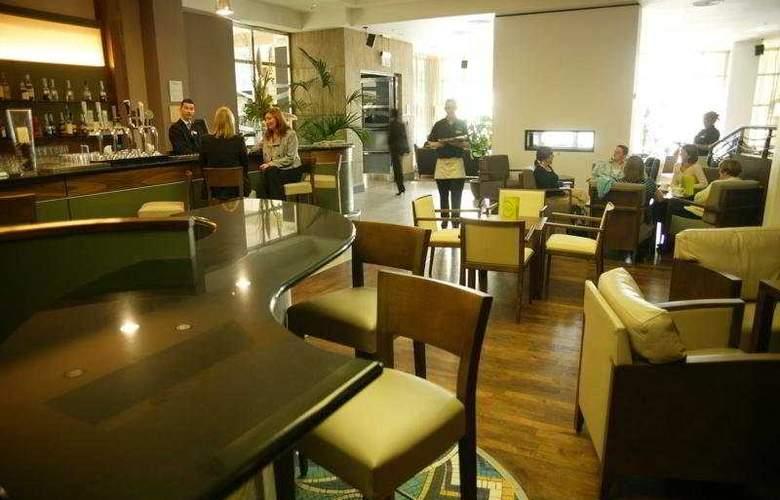 Hilton Belfast - Bar - 4