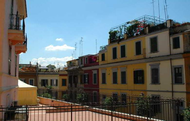 Parker Roma - Terrace - 23