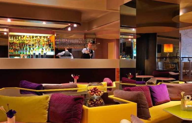 Hyatt Regency Paris Etoile - Bar - 23