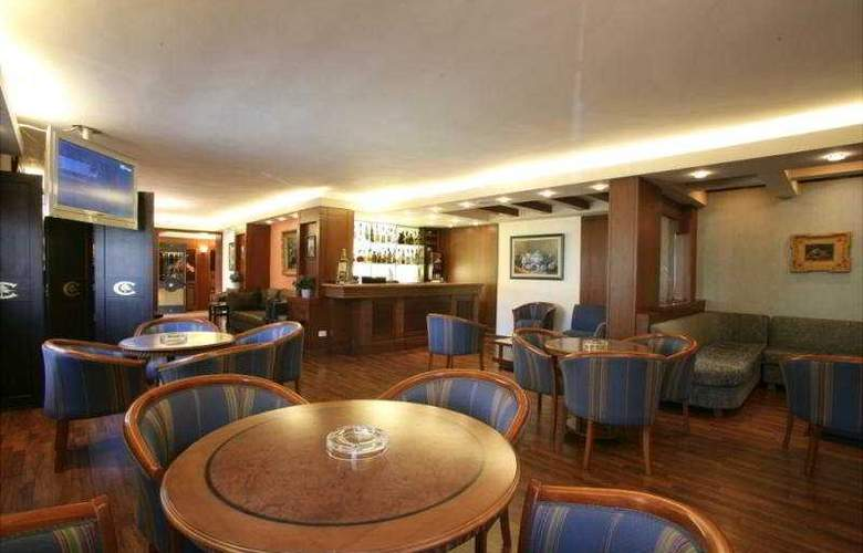 Le Cedrus Suite Hotel - Bar - 4
