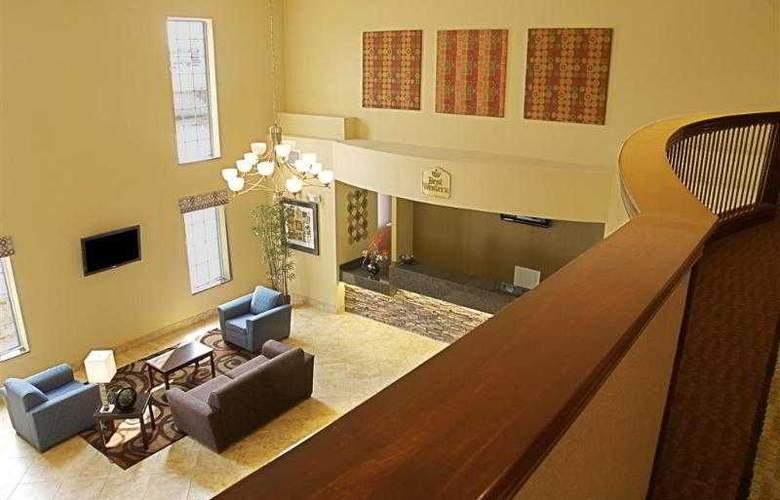 Best Western Plus Eastgate Inn & Suites - Hotel - 3