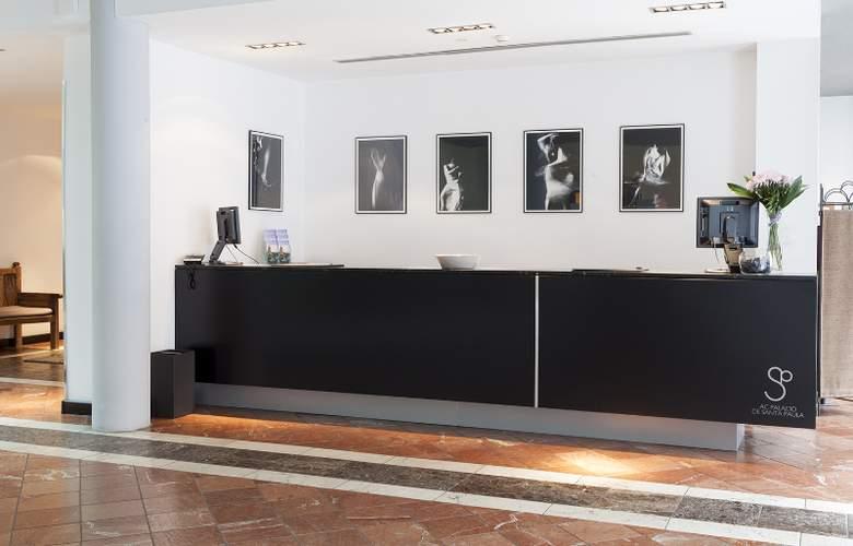 AC Palacio de Santa Paula - General - 11