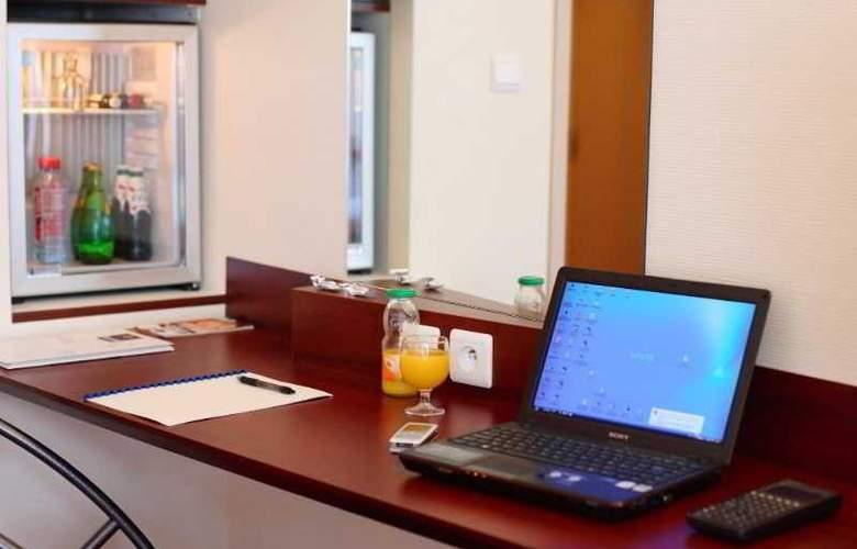 Quality Hotel Pau Centre Bosquet - Room - 4