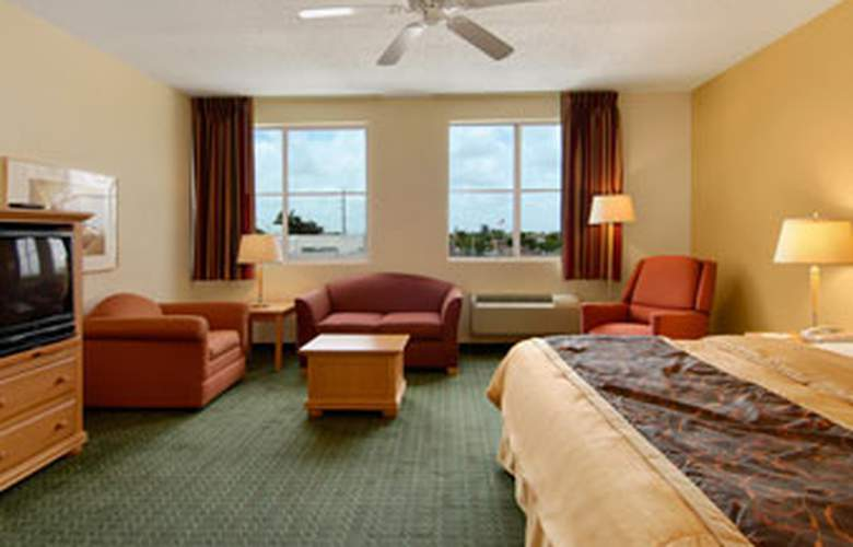 Baymont Inn & Suites Miami Airport West - Room - 8
