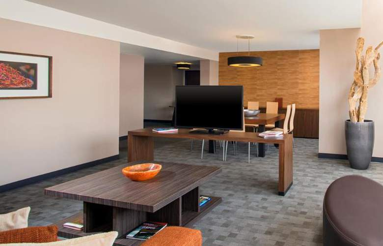 Sheraton Suites Santa Fe - Room - 25