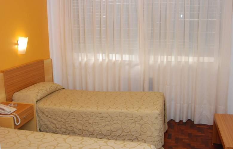 Gran Hotel Orly - Room - 9