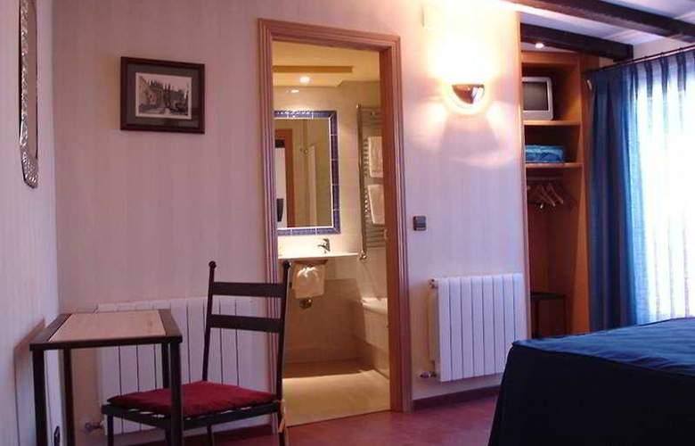 Hotel Sol - Room - 6