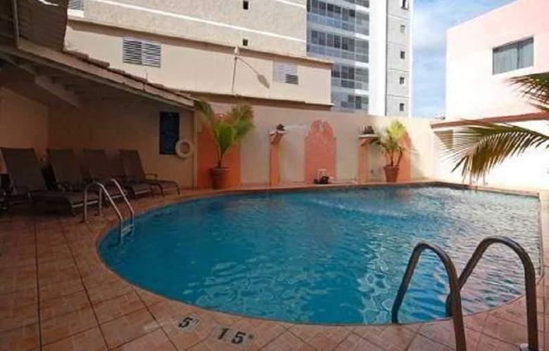 Comfort Inn San Juan - Pool - 3