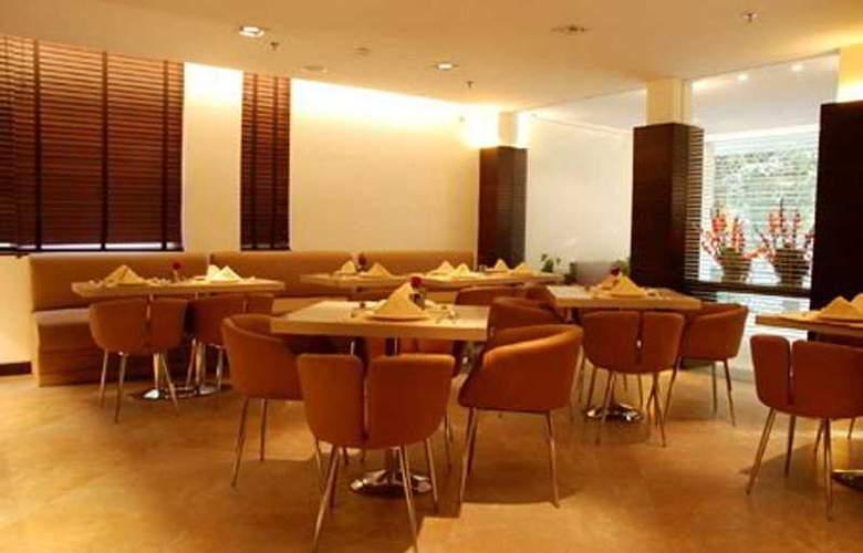 Thirty Three 33 - Restaurant - 3