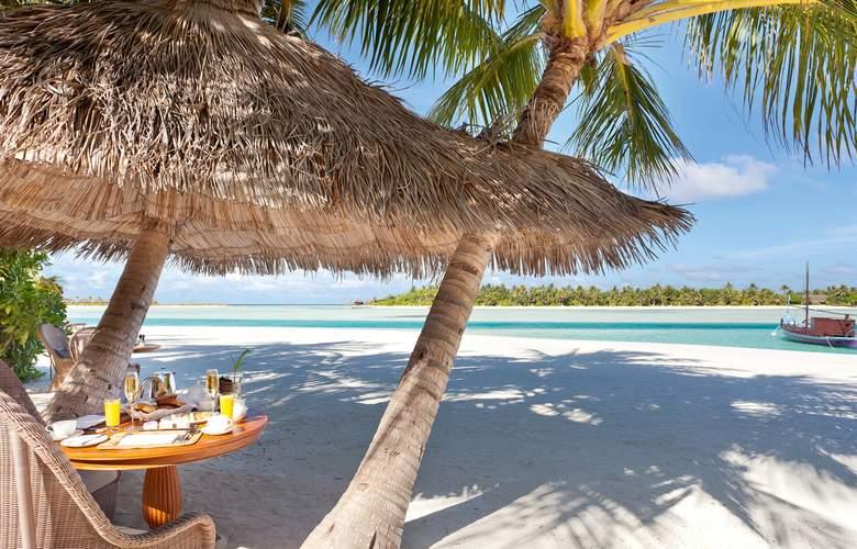 Naladhu Private Island Maldives - Restaurant - 13