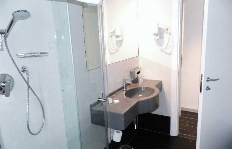 Smart Hotel Central Station - Room - 8